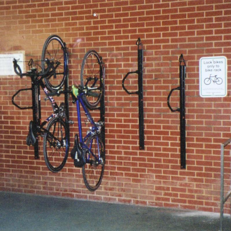 Saris BIKE TRAC úložný systém na 1 bicykel