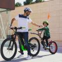 S najľahšími detskými bicyklami a prípojnými tandémami sú prvé začiatky a skúsenosti s pedálmi oveľa ľahšie a vraciať sa na bicykel bude chcieť každý z nich.