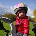 Naše helmy sú určené skutočne tým najmenším deťom, vážia len 190g a svojim rozmerom XXS zodpovedajú veľkosti hlavy u detí vo veku od 6 mesiacov