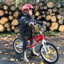 Detské super ľahké bicykle pre maximálny pôžitok z jazdy majú optimálnu geometriu a sú určené ako najmenším, začínajúcim cyklistom tak aj starším deťom.