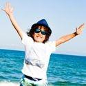 Urobte radosť svojim najbližším - skvelý dizajn a výrazné farebné prevedenia slnečných okuliarov Shadez vytvoria štýlový a praktický doplnok pre Vášho juniora
