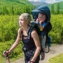 Prémiové a kompaktné nosiče detí pre aktívny oddych celej rodiny vhodné na kratšie aj dlhšie výlety, outdoor a turistiku s ohľadom na pohodlie dieťaťa a rodiča.