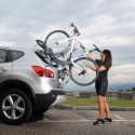 Štýlové americké nosiče bicyklov Saris s montážou na zadné dvere, alebo štandardné ťažné zariadenie dodávané s doživotnou zárukou na každý jeden kus.